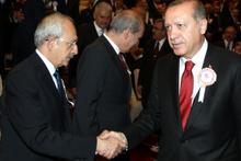 Erdoğan ve Kılıçdaroğlu böyle tokalaştı