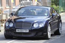 Ronaldo'nun pahalı arabalarıyla dolu garajı nefes kesiyor