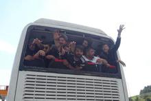 Beşiktaşlı taraftarların otobüsünden neler çıktı neler