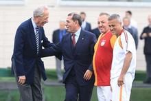 Galatasaray efsaneleri gösteri maçı yaptı