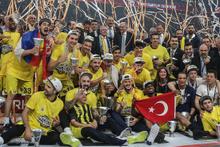 Ünlülerden Fenerbahçe'ye tebrik mesajları