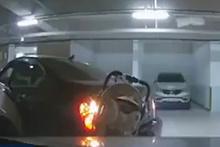 Kadın sürücü neredeyse kendi bebeğini öldürüyordu