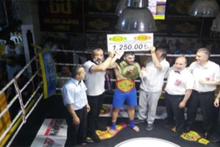 1250 liralık milyoner boksör!
