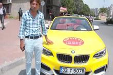 Üstü açık lüks otomobili 'Sosyete taksi' yaptı