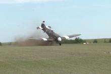 Uçak böyle takla attı