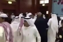 Suudi Arabistan ve Katar heyeti birbirine girdi