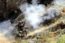 Dağlıca'da Mehmetçik teröristlerin inlerine giriyor