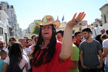 Polis LGBTİ'nin yürüyüşüne izin vermedi