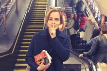 Metrodan sonra sokaklarda Emma Watson'ın yaptığına bakın