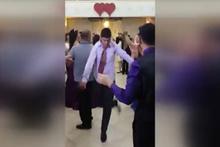 Dansıyla sosyal medyayı salladı!