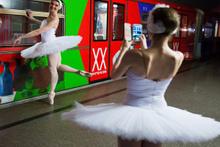 Rusya metrosunda bale gösterisi!