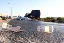 TIR'daki sıvı yağ yola döküldü
