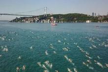 İstanbul Boğazı'nda 2 bini aşkın yüzücü aynı anda...