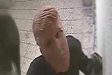 Filmleri aratmayan 'Trump' maskeli soygun