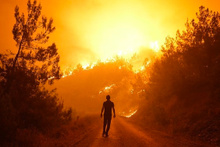 İzmir'de felaket 35 saattir yangın devam ediyor dehşet görüntüler