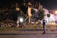 Tüp patladı, 2 katlı bina yıkıldı