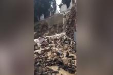 Şişli Osmanbey de mezarlık durağı çöktü: 4 kişi göçük altından çıkarıldı