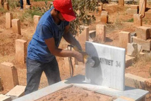 Terörist mezarlarındaki örgüt simgeleri böyle silindi