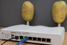 Modemin antenlerine patates takarsanız bakın ne olur