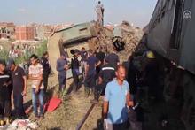 İki tren kafa kafaya çarpıştı! Onlarca ölü var