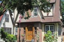 Trump'ın çocukluk evi kirada