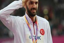 Ramil Guliyev madalyasını aldı