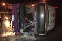 Ümraniye'de İETT otobüsü devrildi: 1 yaralı