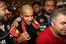 Galatasaray Sofiane Feghouli'ye kavuştu