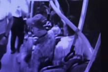 Halk otobüsündeki yankesicilik güvenlik kamerasında