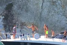 Francesco Totti'den tekneye tam isabet!