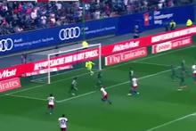 Gole sevinirken sakatlanan futbolcu