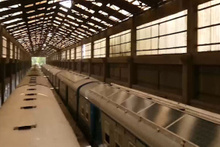 Hindistan'ın ilk güneş enerjili treni sefere hazır