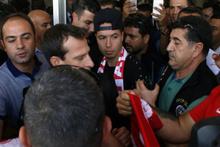 Yıldız futbolcu Nasri'ye kent merkezinde imza töreni!