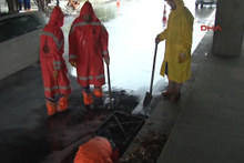 Belediye ekiplerinden su baskını önlemi