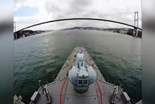 Savaş gemimizin boğazlardan geçişi böyle görüntülendi