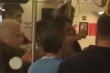 Trende kavga: Gürültü yapmayın dedi, bıçaklandı!