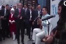 Erdoğan Kazakistan'da dombrayı duyunca...