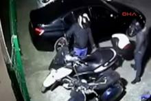Kapalı otoparktaki motosikleti böyle çaldılar
