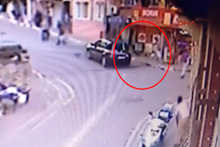 Sokak ortasında pompalı tüfekle vuruldu