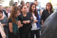 HDP'li Aysel Tuğluk, annesinin cenazesine katıldı