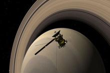 Cassini bugün Satürn'deki görevine veda ediyor