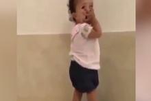 Mamayı fazla kaçıran bebeğin tartı tepkisi