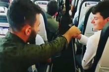 Uçakta pilota elden ele bilet parası uzatan Karadenizliler