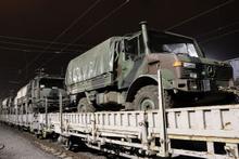 Suriye sınırına takviye askeri araç sevkiyatı