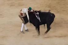 Matadorun tehlikeli gösterisi ölümle bitti