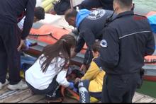 El ele vererek göle atlayan kızı kurtardılar