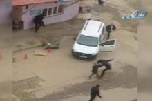 Siirt'ten şoke eden görüntüler kavga otomobille daldı!