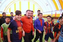 Bakan Osman Aşkın Bak, Şırnaklı gençlerle sahaya çıktı
