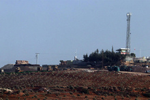 Mevziler kazılıyor: Obüslerin yönü Afrin'e çevrildi!
