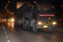 Suriye sınırına tank ve obüs takviyesi